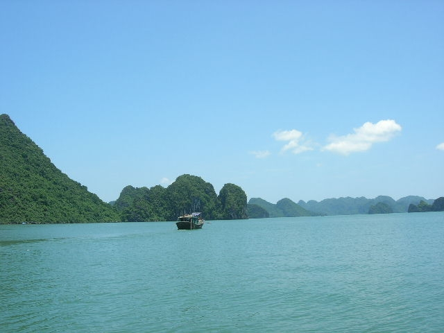 Travel to Halong Bay in Vietnam